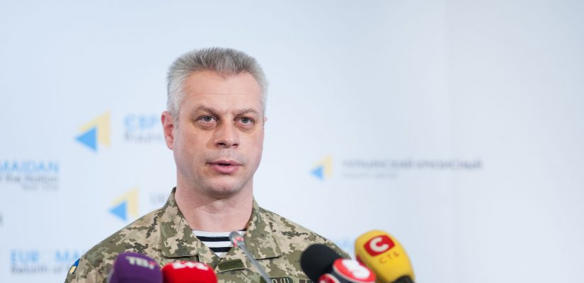 Andriy Lysenko: In Horlivka tanks convoy stretched 3 km in the direction of Ukrainian units positions