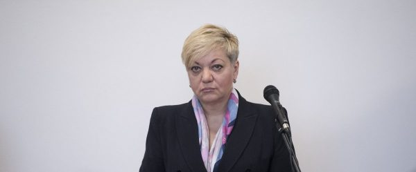 What has the NBU head Valeria Gontareva been remembered for and why does she resign?